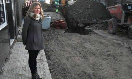 Obras en las redes de saneamiento y abastecimiento de la calle Capilla