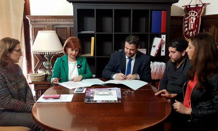 El Ayuntamiento de Úbeda firma un convenio para implantar la administración electrónica