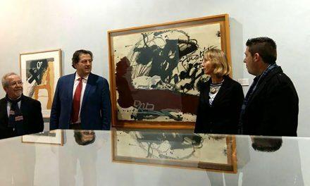 La Sala Pintor Elbo del Hospital de Santiago acoge una muestra gráfica sobre los movimientos más influyentes de la vanguardia de nuestro país