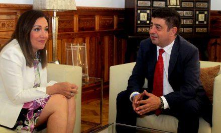Francisco Reyes y Catalina Madueño abordan los principales proyectos del Gobierno central en Jaén