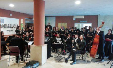 Pacientes, usuarios y profesionales disfrutan de un concierto en el Hospital de Úbeda