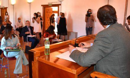 Maribel Lozano destaca el compromiso del Gobierno andaluz con la reactivación de la economía jienense