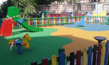 Concluyen las obras de mantenimiento y mejora en los parques infantiles de Palma Burgos y calle Explanada