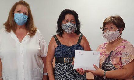 La campaña 'mascarillas con memoria' consigue recaudar un total de 1.218,50 euros, destinados a la asociación de alzheimer '21 de septiembre'