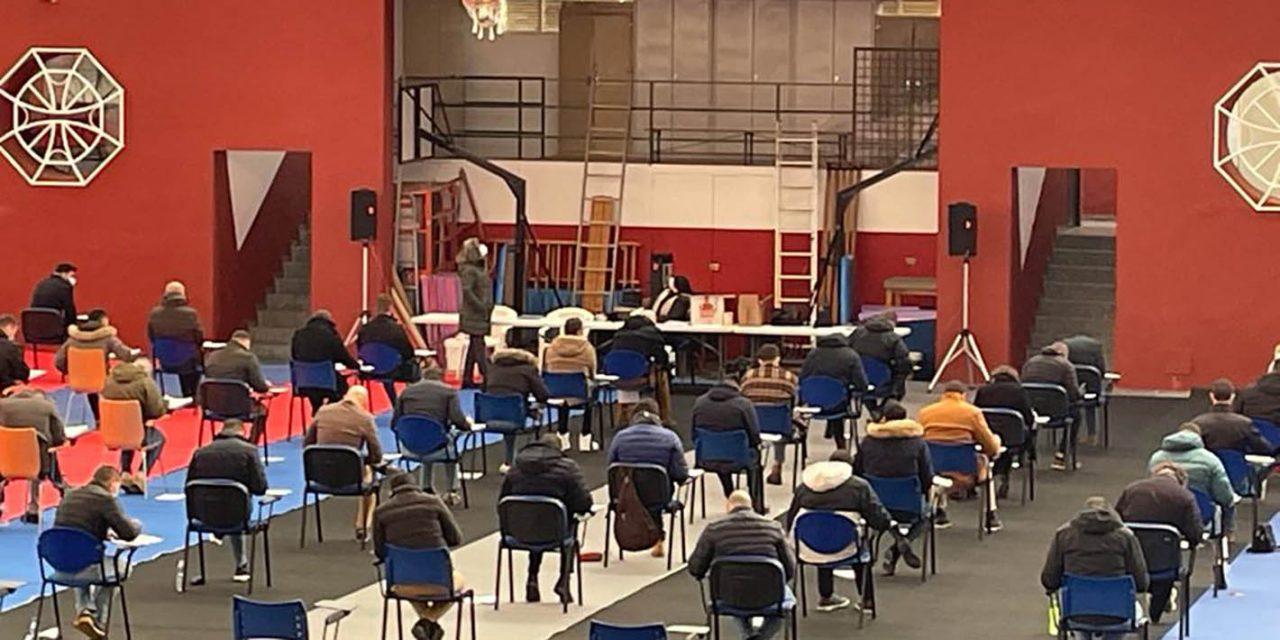Alrededor de 70 aspirantes se presentan al examen psicotécnico para la policía local de Úbeda