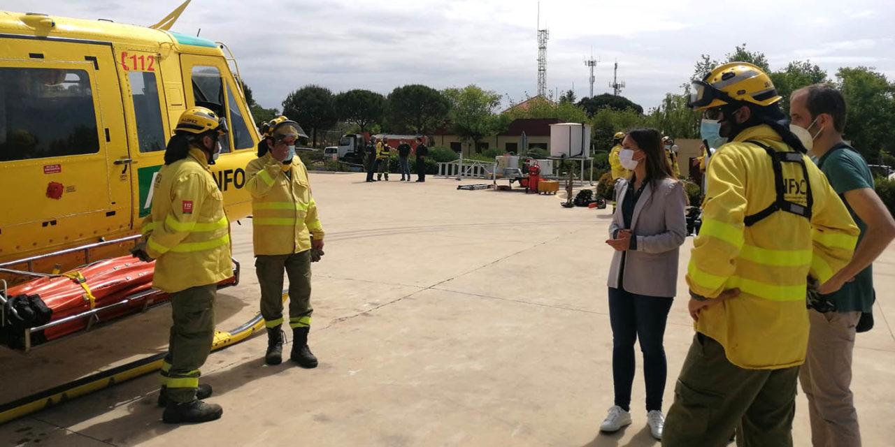 El Plan Infoca incorpora un nuevo vehículo autobomba y un helicóptero con más capacidad