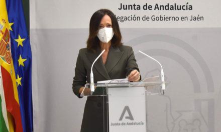 Maribel Lozano subraya el compromiso del Gobierno andaluz con el mantenimiento del empleo y la recuperación económica provincial